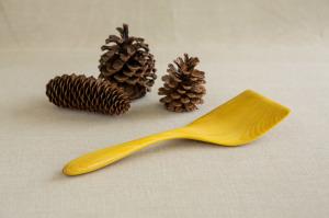 Mutlzi |handmade wood Large flipper|spatula . Making the practice of life beautiful. www.multzi.com