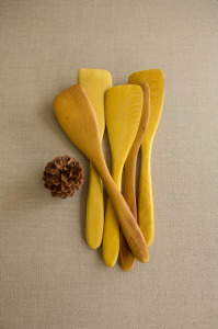 Multzi | handmade wood thin spatula {right hand or left hand}. Making the practice of life beautiful. www.multzi.com